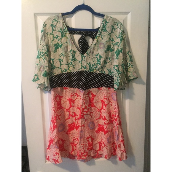 17161c7512 TOPSHOP Mix Floral Print Mini Skater Dress. M 5b8deb641e2d2d0d116723fe